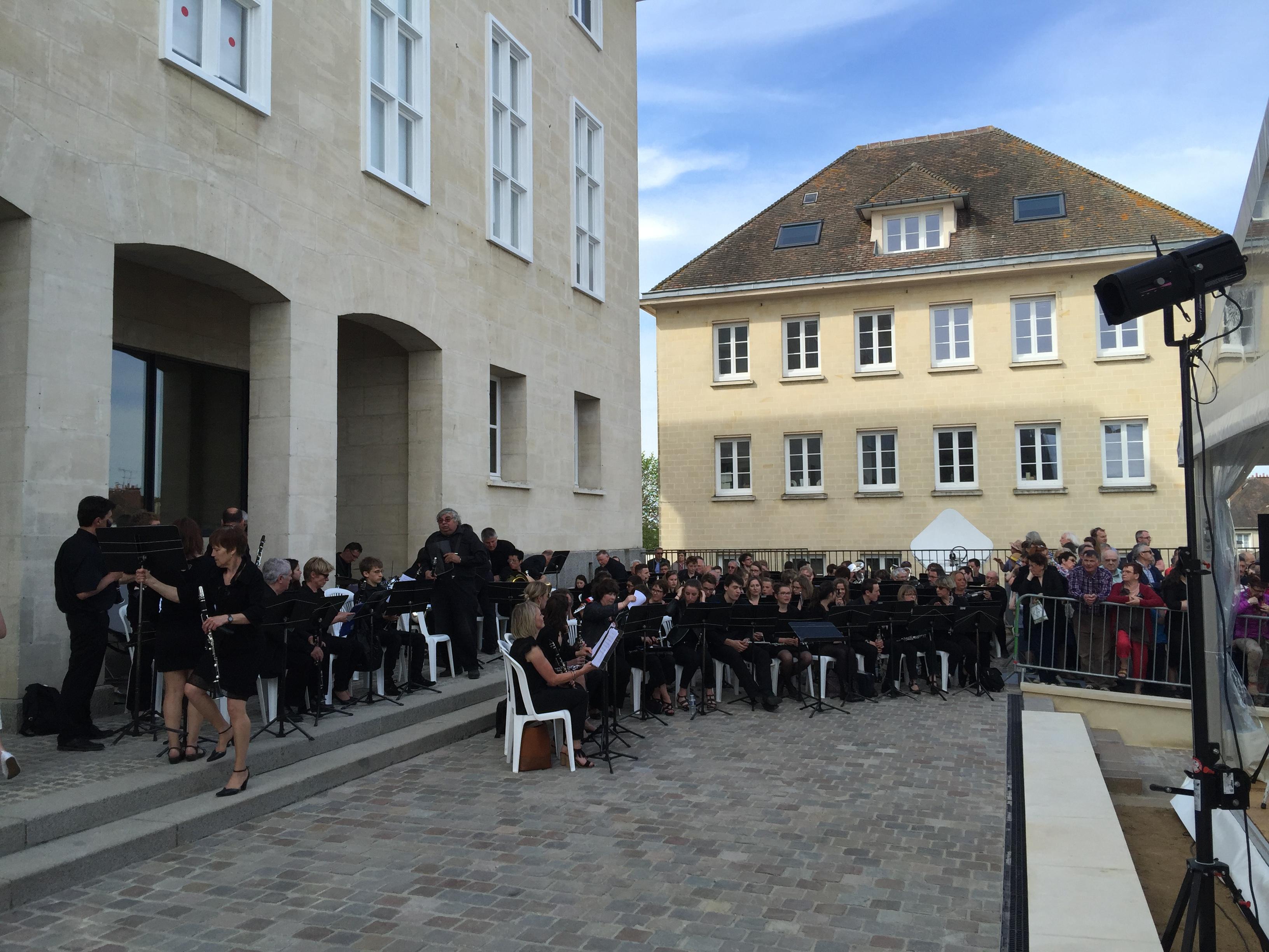 2016-05-08_memorial-civils-falaise-inauguration (3)